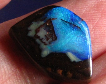 8.9ct wonderful handcrafted koroit boulder opal