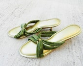 50's KITTEN HEEL BEDROOM Slippers - Olive Green and Gold / Hal Davis Original / Wood and Gold Heel / Excellent Condition / Size 9
