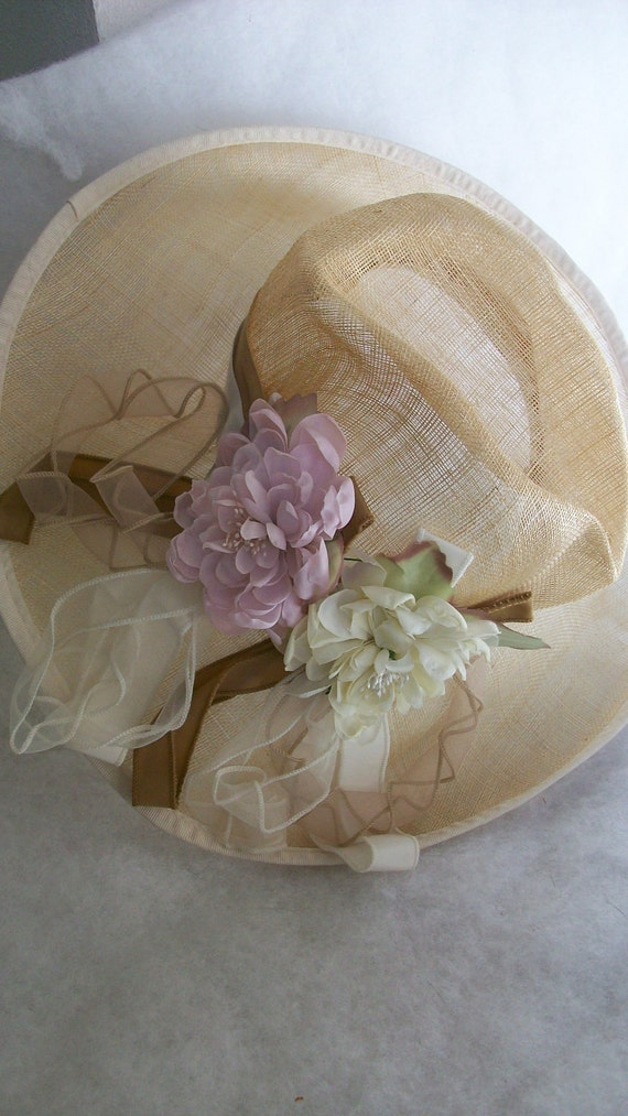 Vintage BIG and elegant summer straw hat with goregous flowers and ribbons