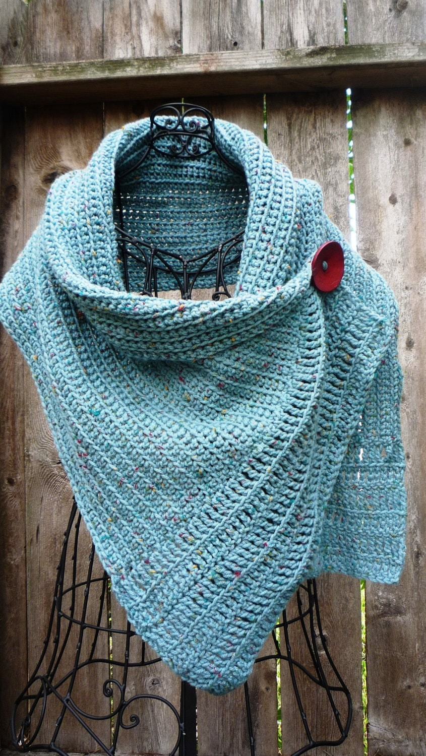 Free Crochet Pattern Button Scarf : Pattern for buttoned crocheted wrap