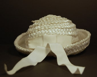 1960s Vintage Ivory Straw Hat with Grosgrain Ribbon