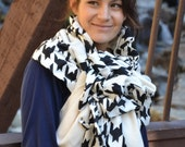 Reversible black and white scarf to cape