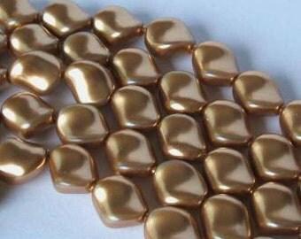 10 SWAROVSKI Crystal Curve Twisted Pearl 5826 BRIGHT GOLD