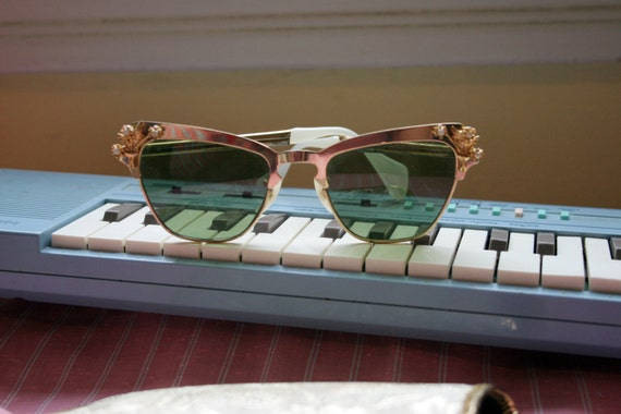 Vintage 1950s Sunglasses / Where Have All the Flowers Gone Sunnies