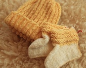 Yellow baby hat and booties for baby