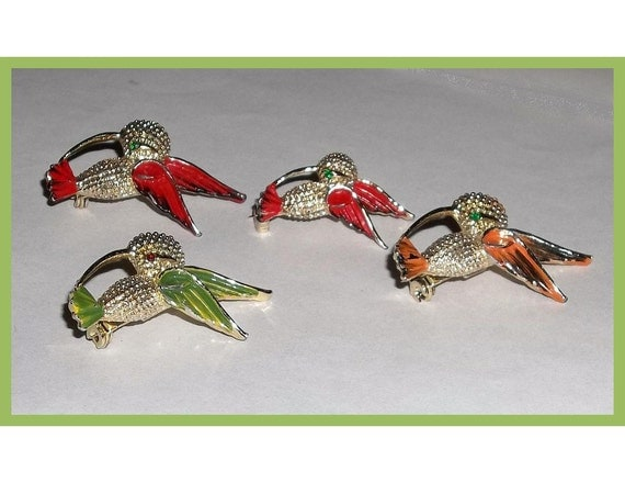 RESERVE LISTING Hummingbird Scatter Pins, set of 4
