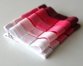 BABY Hair bow clips / A set of 5 / handmade / Pink to red gradation  / double prone alligator clip