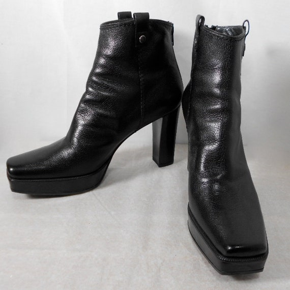 1990s STUART WEITZMAN Leather Platform Boots Size 8 1/2