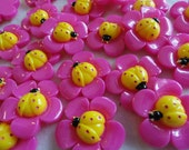 Clearance Sale - Bright Ladybug Flower Flat back Cabochon (12) Pink Yellow Resin 1 1/4 inch