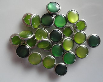 50 Snaps Pearl Set Grass / Lime Assorted Greens 4-Part Prong Size 16