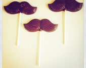 Chocolate mustaches lollipops