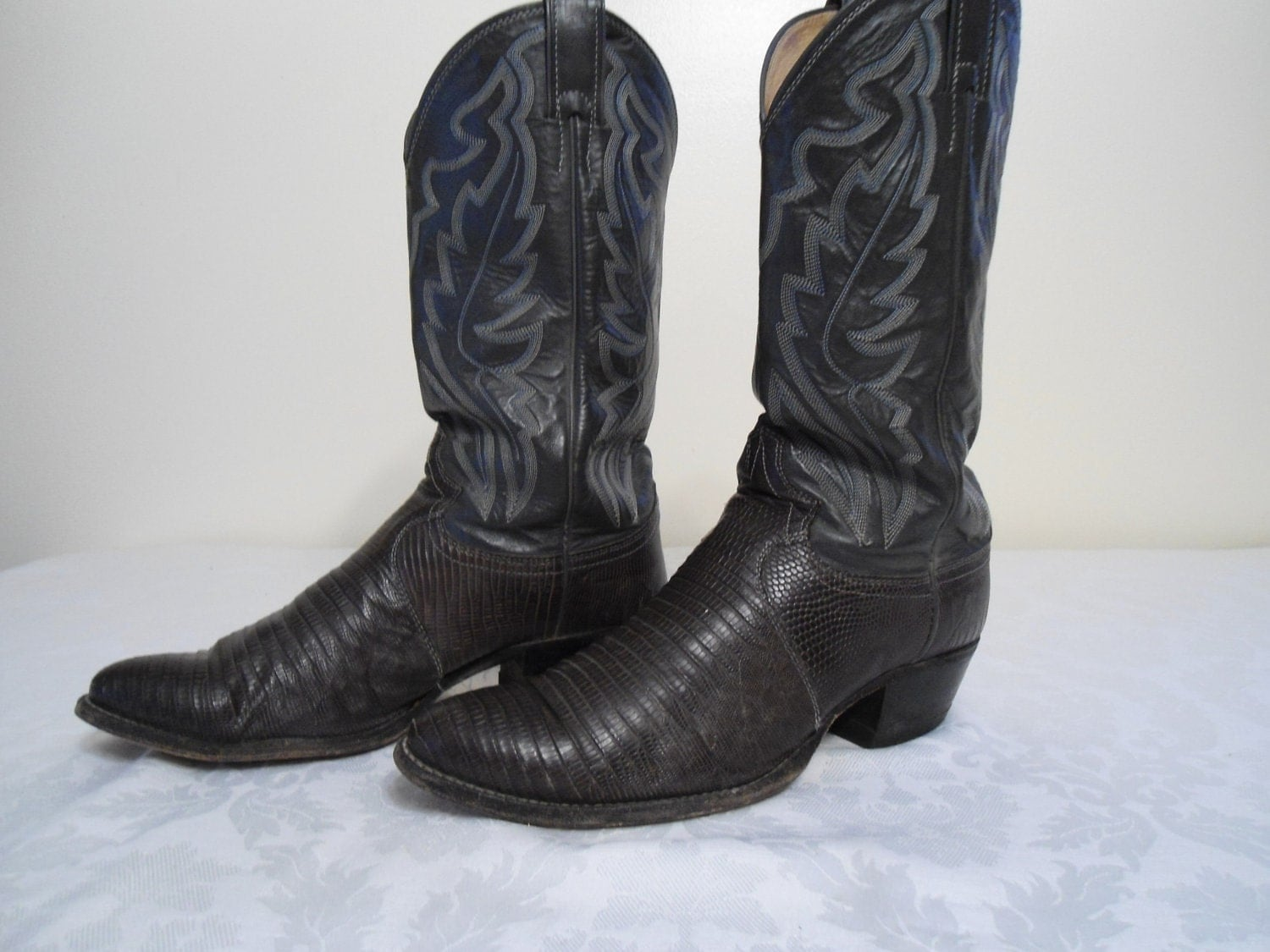 Justin Cowboy Boots Size 8 1 2d Style 8327 Reserved For Erica