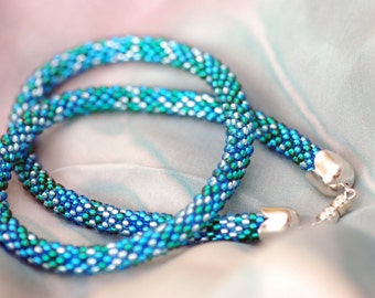 Hand crochet necklace out of blue beads