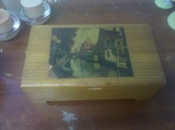 Vintage Dovetailed Barricini Candy Box