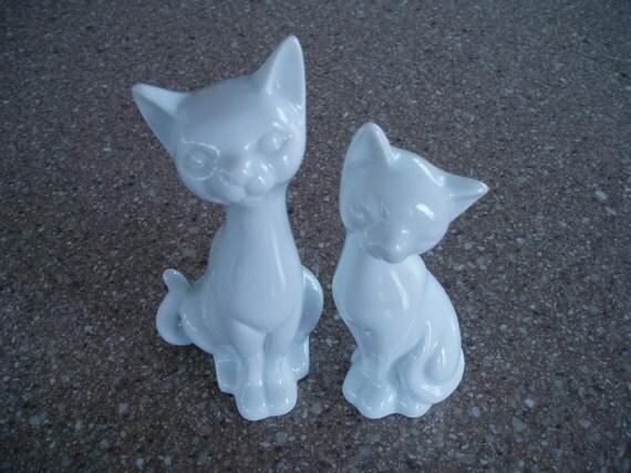 Pair of Ceramic Siamese Cats - Vintage OMC Otagiri - White