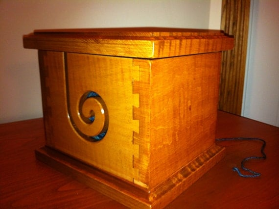 Curley Maple Yarn Box