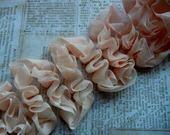 Vintage inspired organza ribbon ruffle connector