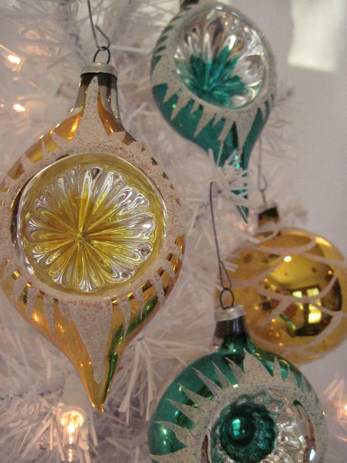 Vintage glass indented christmas holiday ornaments green and