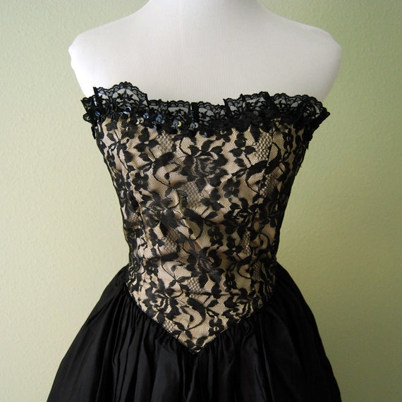 Vintage gunne sax party dress with corset top and tulle skirt black