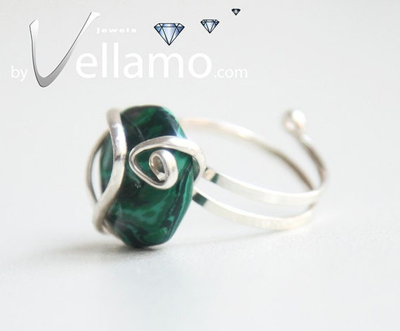 Modern sterling silver adjustable ring with green malachite gemstone