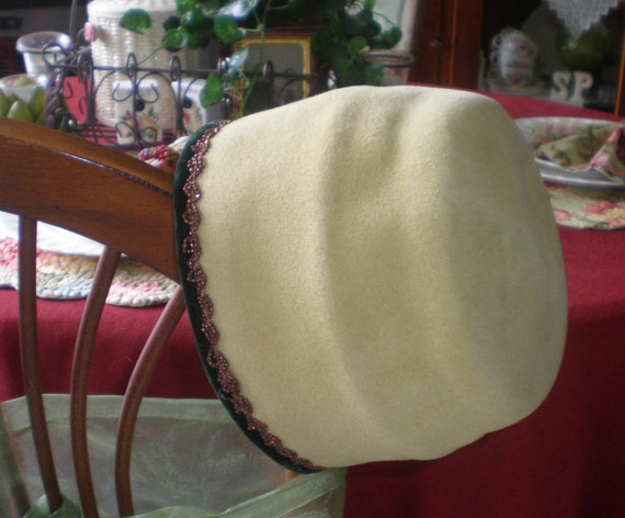 Antique Vintage Women's Wool Cloche Hat by Susy Lee Size 22 Imported For Velour Regale