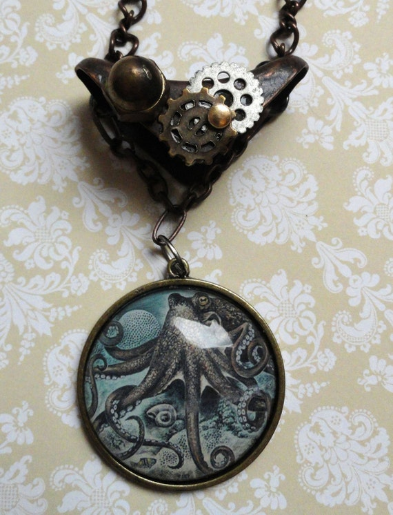 Steampunk Jewelry - Octopus Pendent Necklace - Steampunk Necklace - Gear Necklace - Victorian Jewelry -