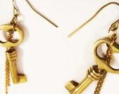 Vintage Key Earrings - Gold Chain - Dangle