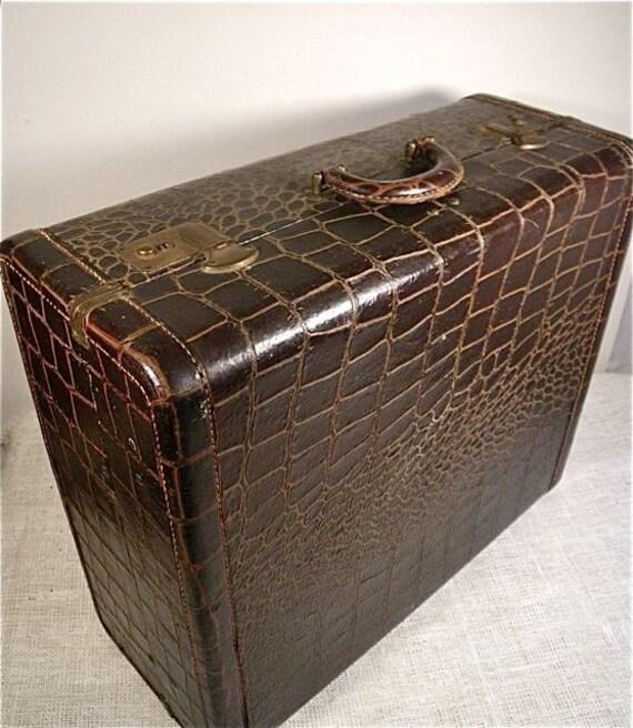 Leather Suitcase / Alligator Luggage / Storage