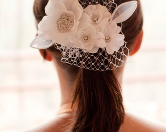 Bridal white hair fascinator accessory