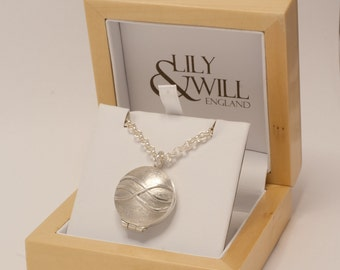 Round Silver Waves Locket