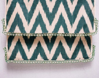 crochet ikat scarf with bead-lace ends - Turkish OYA - 16.14'' x 78.74'' - FAST worldwide shipment with UPS - 157