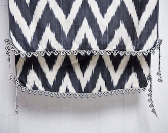 crochet ikat scarf with bead-lace ends - Turkish OYA - 15.75'' x 80.31'' - FAST worldwide shipment with UPS - 114