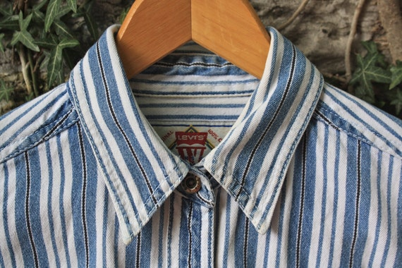 Levi's Denim Blue White Striped Button Up Shirt Womens Small 80s 90s