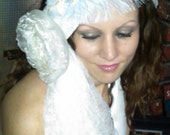 Inspired flapper Bridal headband, Vintage bridal headpiece with crinkled tulle and ostrich feather, winter wedding