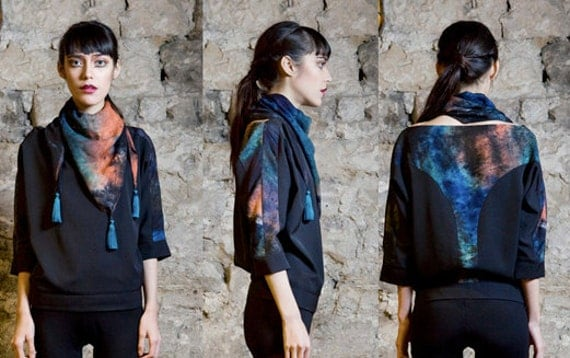ON SALE  Batwing top with hand dyed print incrustation in the back, size xs,s,m