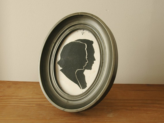 Vintage Silhouette Paper Cut Couple in Oval Frame