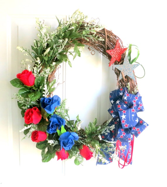 CLEARANCE - Spring Wreath - Summer Wreath - Red, White and Blue Wreath - Patriotic Wreath - 4th of July Wreath - Outdoor Wreath