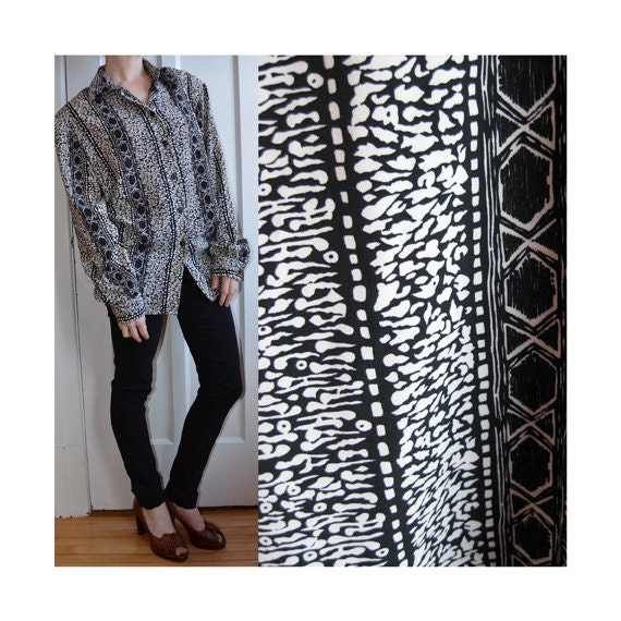 SALE - Black & White Abstract Geometric Tribal Striped Button-down Blouse, Size Large - XLarge