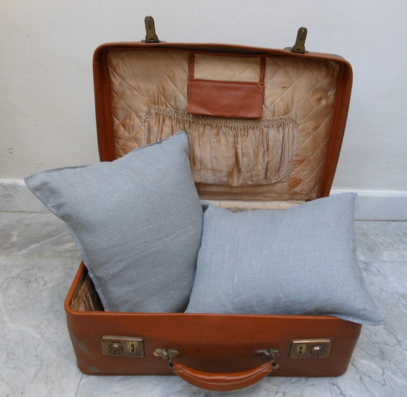 2 decorative cushion covers in grey linen