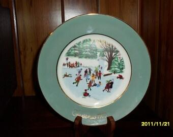 "1975 Avon Christmas Plate ""Skaters on the Pond"""