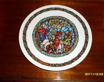 D'Arceau-Limoges Noel Vitrail Collector Plate