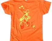 Men's bike T-shirt, The Jester and the Two Cats, in orange XL