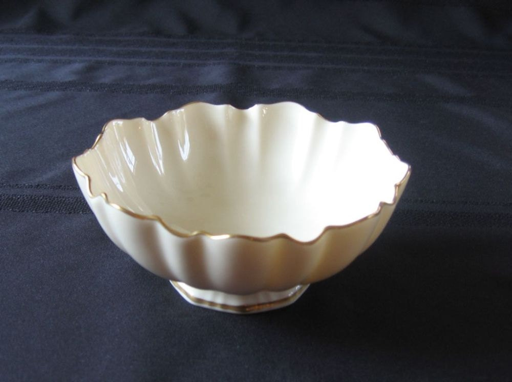 Vintage Lenox Sculptured Bowl 24 K Gold Trim Never Used