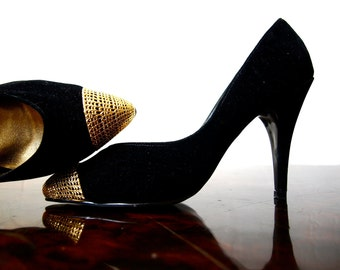 Rare Vintage QUEEN'S Black Velvet Stilettos With Gold Metal Toe Tips and Gold Leather Lining Size 5
