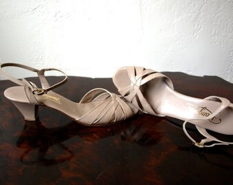 Vintage RANGONI OF FLORENCE Italy Taupe Leather Braided Sandals Size 8 1/2 aa