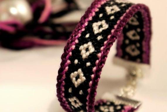 Removable Friendship Bracelet with Ribbon Inspired Diamond Patterns