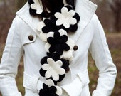 Flower scarf in classy Black and White