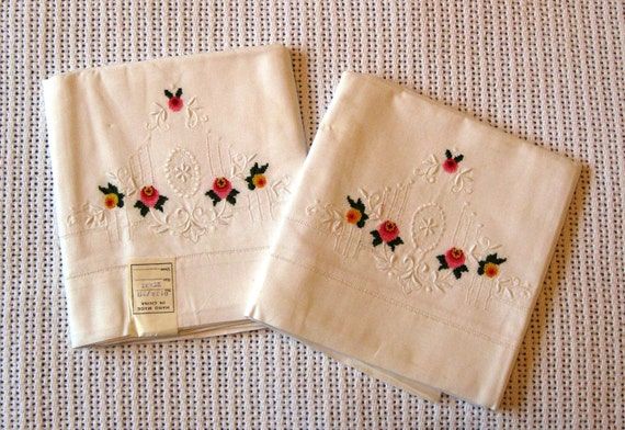 Pair of Vintage Pillowcases with Embroidered Pink and Yellow Flowers 1960s