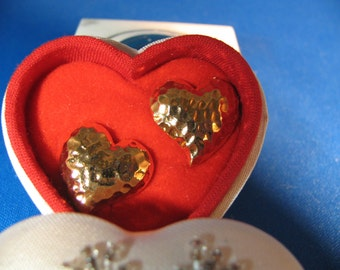 Avon vintage Precious Hearts earrings