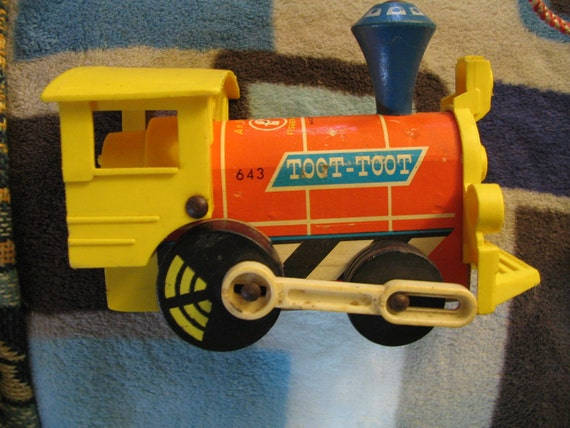 Vintage Fisher Price 643 Toot Toot Train